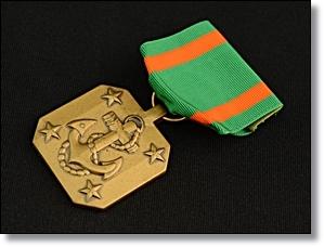 米軍 アメリカ イカリ 勲章